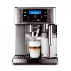 Espressor automat DeLonghi Prima Donna Avant ESAM 6700, 1350 W, 15 bar, 1.8 l, carafa lapte, display LCD, argintiu