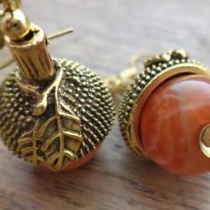 Cercei ghinde - fire agatha si metal auriu antic