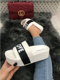 Papuci dama albi cu platforma marime  40, 41+CADOU, Din imagine