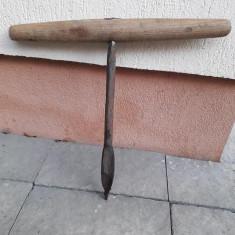Sfredel burghiu manual pentru lemn