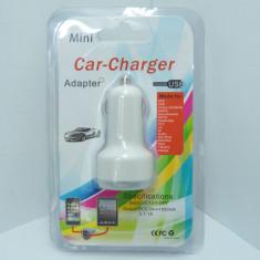 Adaptor auto Dual USB de 3.1 amperi blister (un port de 1A si un port de 2A)