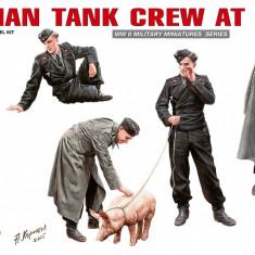 1:35 German Tank Crew at Rest - 6 figures 1:35