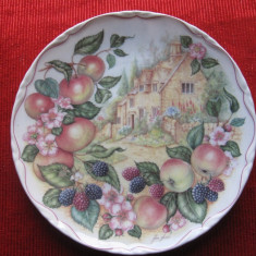 FARFURIE DECORATIVA PORTELAN ENGLEZESC ROYAL ALBERT FINE CHINA