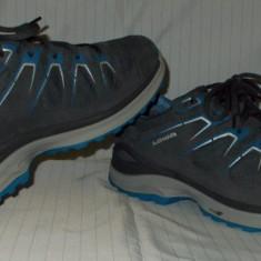 Adidasi LOWA gore-tex - nr 43 1/2
