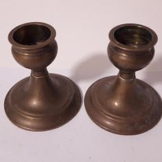 pereche de sfesnice din bronz de mici dimensiuni