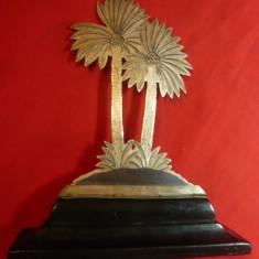 Obiect Ornamental vechi din argint - Arabia Saudita -Palmieri pe soclu lemn ,h=