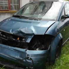Vând Audi A2 1,4 tdi af. 2002 puțin avariat stânga fata