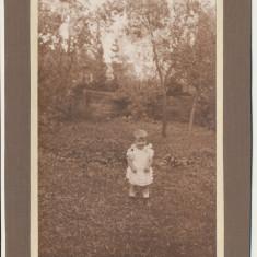 Romania 1924 fotografie pe carton fetita din Cisnadioara jud. Sibiu album sasesc