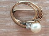 AUR 8k - 999 - brosa vintage-medalion decorata perla naturala -zirconiu briliant