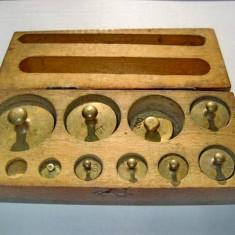 A247-Set greutati bronz de la 2 grame la 200 grame cutie lemn.