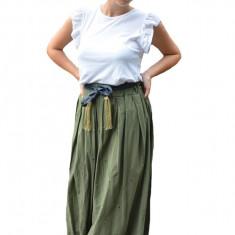 Fusta dama Karoline cu model brodat lunga,nuanta de verde inchis