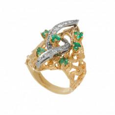 Inel din aur alb si galben 14 K cu smaralde si diamante, circumferinta 55 mm