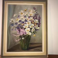 Tablou ,pictura veche in ulei pe panza,vaza cu flori