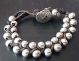 Cumpara ieftin Bratara deosebita handmade cu bilute de metal