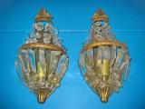 Set 2 Aplice electrice bombate cu coroana in bronz aurit cu sticle gen cristal.