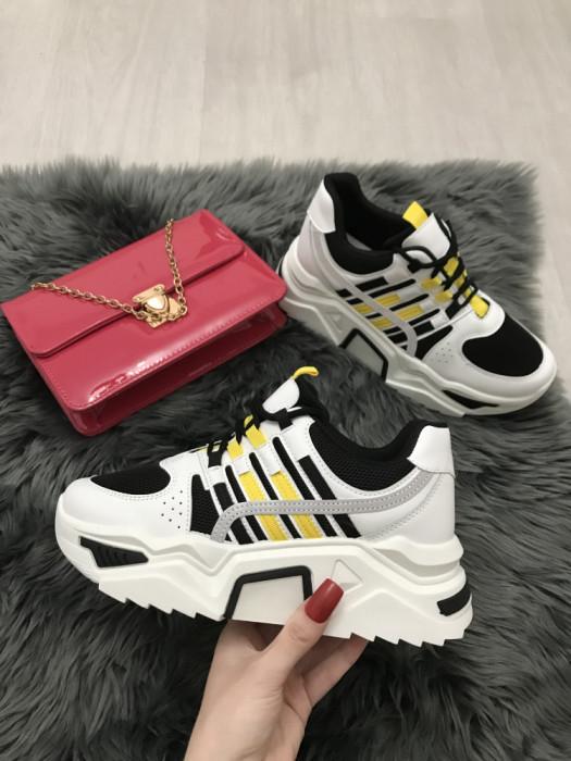 Adidasi dama albi cu negru cu platforma marime 38, 39, 40+CADOU