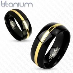 Bandă neagră din titan, suprafață lucioasă rotunjită, fâșie aurie, 8 mm - Marime inel: 65