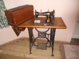 Vand masina de cusut NAUMANN clasica (cu pedala), veche.