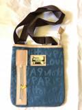 Cumpara ieftin Geantă de umăr tip poștaș, albastru cu crem închizătoare prin fermoar,model 2020