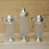LOT 3 CUPE / URNE MARI VECHI DIN STICLA MASIVA SI METAL