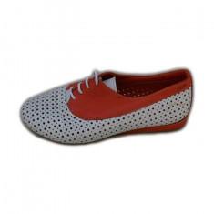 Pantof deosebit cu design de perforatii simetrice, culoare alb-corai