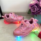 Cumpara ieftin Adidasi colorati roz cu lumini LED beculete pt fetite 23 24 cod 0623, Fete