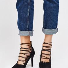 NOU Pantofi dama cu toc stiletto negri cu sireturi elastice 36