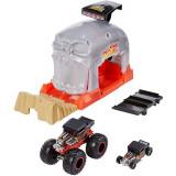 Cumpara ieftin Pista de masini Hot Wheels Mattel Monster Truck Bone Shaker cu 2 masinute