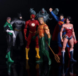 Set Figurina Superman Batman Wonder Woman Flash Green Lantern 17cm DC