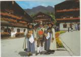 Activitati femei -Costume traditionale