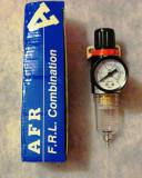 Regulator de presiune cu filtru pentru aerograf