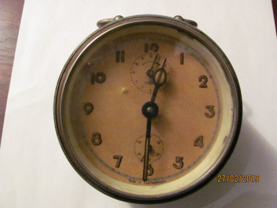PVM - Ceas de masa mai vechi nefunctional Cehoslovacia foto