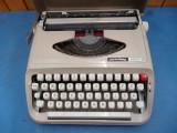 Masina de scris portabila Privileg 300T