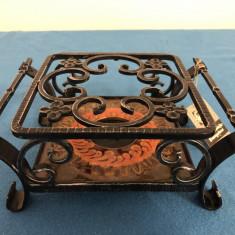 Suport  metalic german,pentru vase fierbinti,cu incalzitor