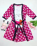 Cumpara ieftin Set pijama dama 3 piese alcatuit din maieu + pantaloni scurti + halat roz cu imprimeu Bunny