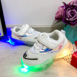 Cumpara ieftin Adidasi albi cu lumini LED si scai pt baieti / fete 21 23 24 25