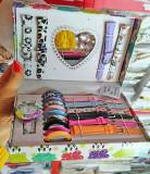 SET CADOU ceas dama + 10 curele si 10 cadrane asortate + cutie colorata