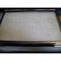 Rama - bezzel laptop Toshiba Satellite P300