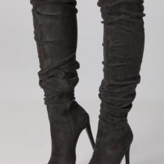 Cizme negre lungi peste genunchi cu tocul subtire