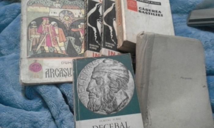 ARCASUL MARIEI SALE/CADEREA BASTILIEI/UN OM  IN FURTUNA/DECEBAL DE DUMITRU ALMAS