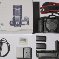 Vand Canon 7D cu grip