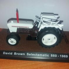 Macheta tractor David Brown Selectamatic 880-1969 scara 1:32