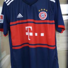 Tricou Bayern Munchen S,XL (embleme brodate)