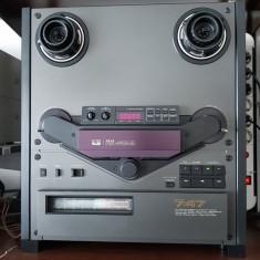 Magnetofon AKAI GX-747 LED black