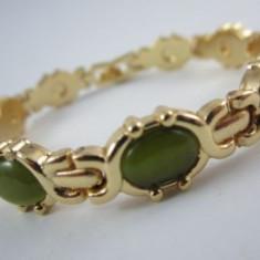 Bratara Green Stones
