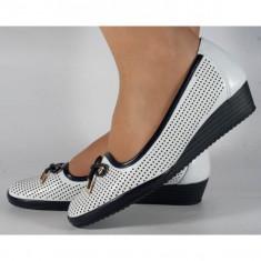 Pantofi platforma perforati albi cu bleumarin(028452)