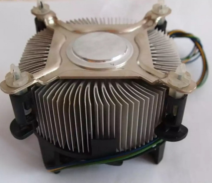 Cooler Original Intel 775 Box Ventilator de 80 mm Modelul cu radiator inalt pins