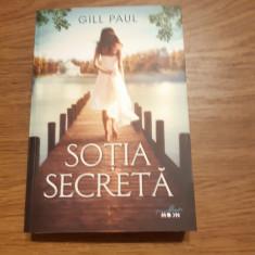 Sotia secreta de Gill Paul, Litera