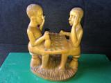 Sculptura in lemn,personaje la masa in carciuma