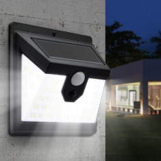 Cumpara ieftin Lampa solara 30 LED cu lumina panoramica si senzor de miscare
